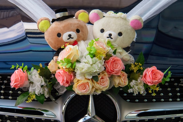 украшение автомобиля на свадьбу своими руками фото