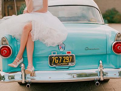 Как выбрать цвет машины на свадьбу и украсить свадебный кортеж